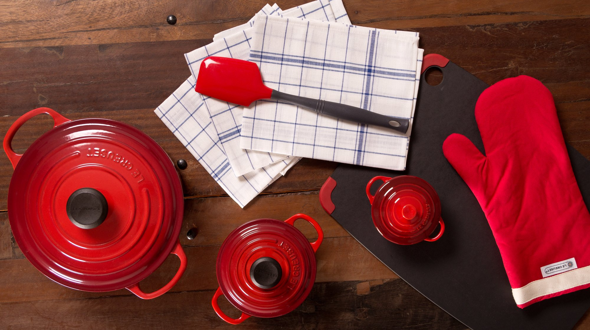le-creuset-cooking-set-buy-me-once-hero-flickr-dinnerseries
